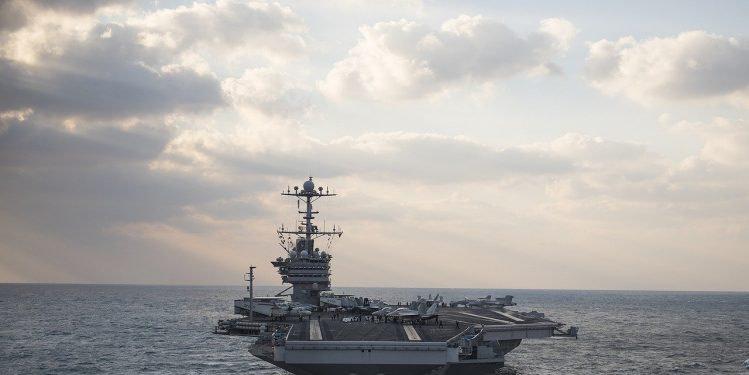 France : 668 marins du porte-avions Charles-de-Gaulle positifs au Covid-19