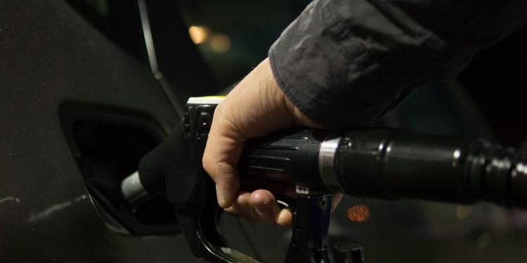 Tunisie : Une baisse des prix à la pompe est envisagée en avril