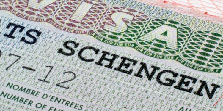 Le risque, c'est la mort de Schengen, a dit Macron au Conseil européen
