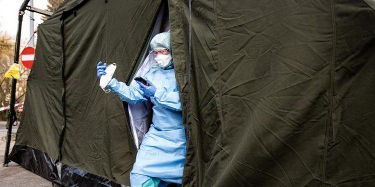 L'épidémie de coronavirus a fait plus de 1.000 morts en France