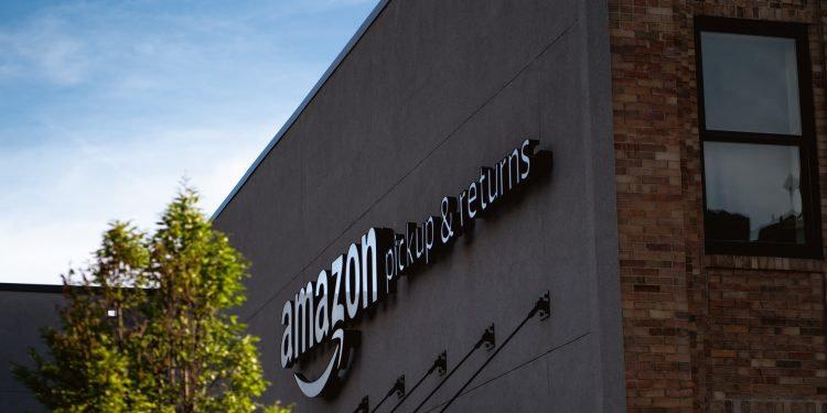 France: La justice impose à Amazon de limiter ses activités
