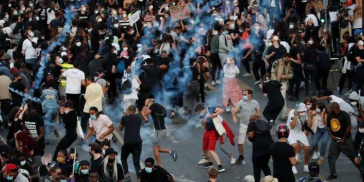 France : incidents à Paris et manifestation de colère contre les violences policières