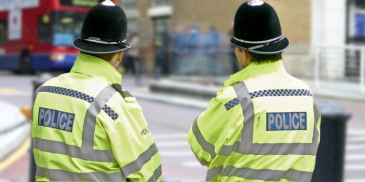 Trois morts dans une attaque au couteau dans le sud de l'Angleterre