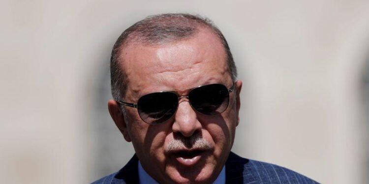Erdogan menace de riposter à toute attaque française