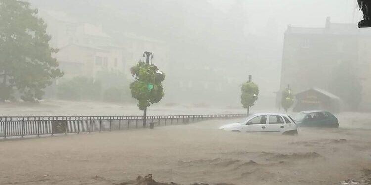 Orages et inondations : deux personnes portées disparues après les intempéries