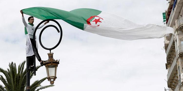 Algérie: Faible participation au référendum, selon les premiers chiffres
